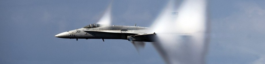 military-jet-1053394_1280